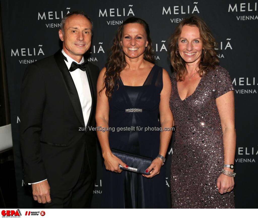 Anton Schutti, Claudia Riegler, Dorothea Schuster : Photo: GEPA pictures/ Walter Luger (30.10.2015)