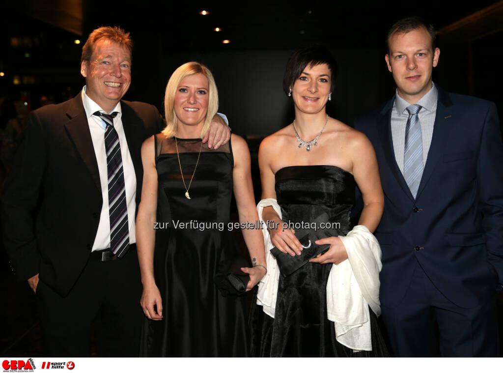 Andrea Fischbacher, Kathrin Zettel, mit Begleitung : Photo: GEPA pictures/ Walter Luger (30.10.2015)
