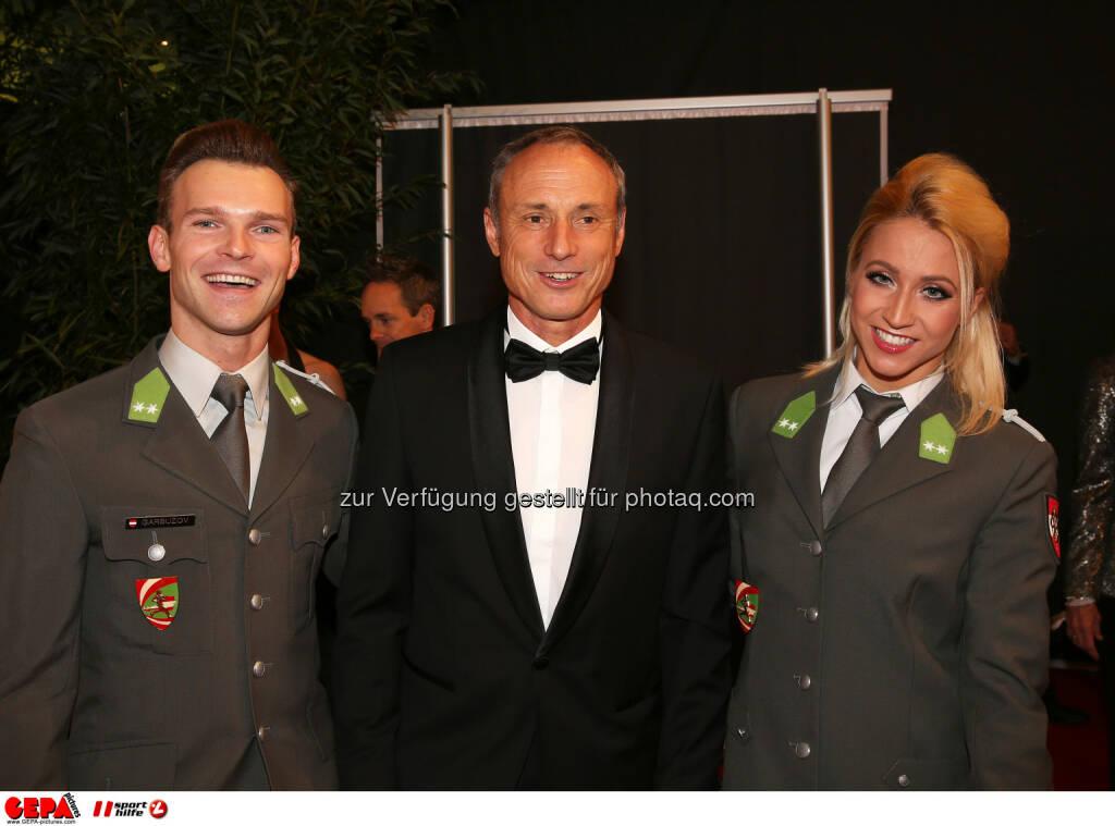 Vadim Garbuzov, Anton Schutti, Kathrin Menzigar : Photo: GEPA pictures/ Hans Oberlaender (30.10.2015)