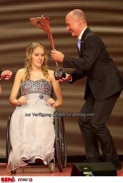 Kira Grünberg, Gerald Klug : Photo: GEPA pictures/ Christian Walgram (30.10.2015)