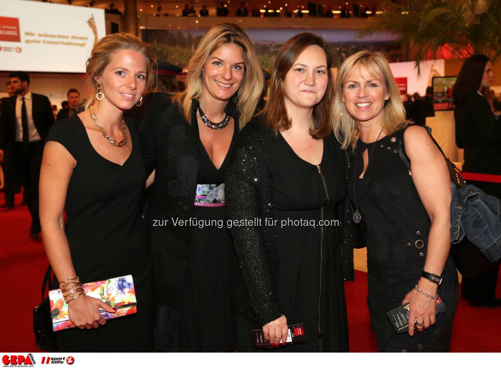 Martina Mosovsky, Sabine Marek, Gäste : Photo: GEPA pictures/ Walter Luger (30.10.2015)