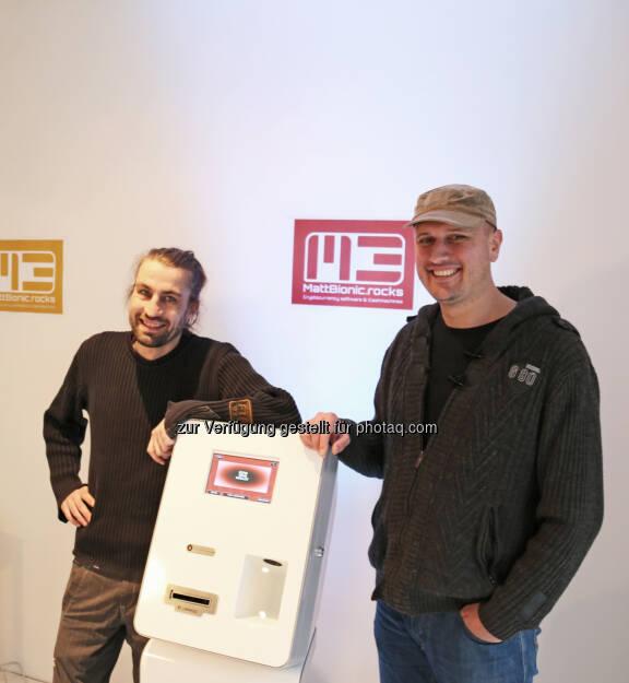 Martin Swoboda, Patrick Heiss (beide MattBionic.rocks-Geschäftsführung) : MattBionic.rocks: Österreichischer Software-Entwickler für Bitcoin-Geldautomaten geht an den Start : MattBionic.rocks ist das erste österreichische IT-Unternehmen, das eine Software für Bitcoin-Geldautomaten herstellt Fotocredit: MattBionic.rocks/Kotoulek-Steiner, © Aussendung (02.11.2015)