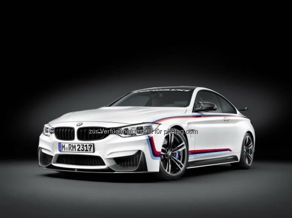 BMW M4 Coupé mit BMW M Performance Zubehör : Die Messe der Specialty Equipment Market Association (Sema) in Las Vegas (Nevada, USA) gilt weltweit als die Leitmesse für Individualisierung und sportliches Tuning. Die auf der SemaShow dem fachkundigen Publikum vorgestellten Neuheiten beeinflussen die gesamte Szene und setzen Trends. Auf der diesjährigen Sema Show vom 3. bis 6. November 2015 präsentiert BMW dem Messepublikum eine Auswahl der betont sportlichen BMW M Performance Parts. : © BMW Group , © Aussendung (03.11.2015)