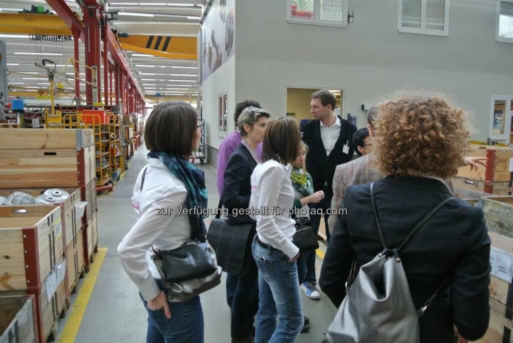 ambuzzador bei Rosenbauer mit Barbara Hosiner, Charlotte Hager, Steffi Ogu, Florian Figl und Sabine Hoffmann, © ambuzzador (25.03.2013)