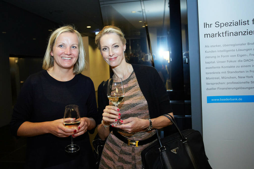 C.I.R.A.-Generalsekretärin Elisabeth Karner, Daniela Philipp-Sabelko, Moderatorin der diesjährigen Verleihung der Reporting-Awards., © APA-Fotoservice für CIRA. Mit freundlicher Genehmigung der CIRA. (04.11.2015)