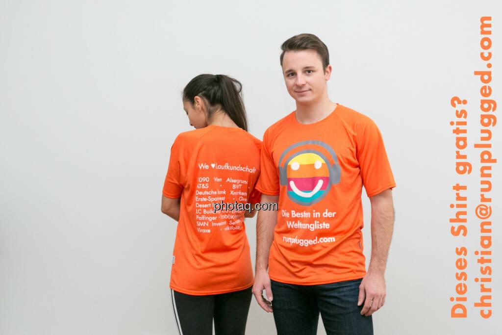 Dieses Shirt gratis? christian@runplugged.com (Selbstabholung), © Martina Draper/photaq (05.11.2015)