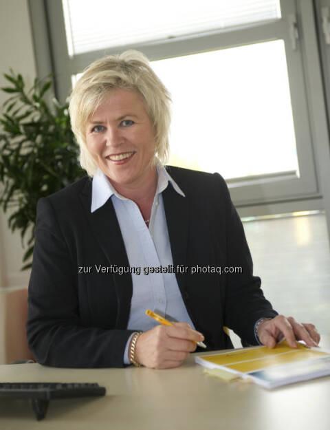 Dorothe Eickholt leitet jetzt die Asendia Austria GmbH, das neue Gemeinschaftsunternehmen der französischen La Poste und von Swiss Post. Die Postlogistikerin ist bereits seit 2008 Geschäftsführerin von Swiss Post International Germany. Unterstützt wird Eickholt bei ihrer Arbeit in Biedermannsdorf bei Wien von drei erfahrenen Führungskräften. (25.03.2013)