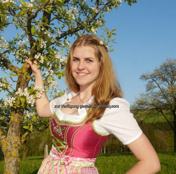 Sandra Kirchstetter: Landwirtschaftskammer Niederösterreich (LKN): Jungmostpräsentation 2015 - Neue Mostkönigin gekrönt (C) zVg.