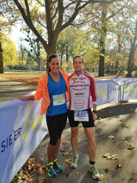 Monika Kalbacher, Mani Hofmann gewinnen beim Er & Sie Lauf den 2. Platz in der AK Befreundetes Paar, © Diverse  (09.11.2015)