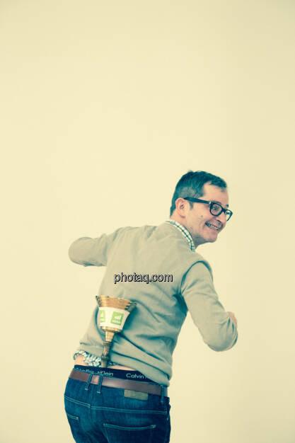 Clemens Haipl (Kabarettist, Moderator) - Opening Bell wurde danach von der Redaktion wieder gereinigt!, © Martina Draper/photaq (11.11.2015)