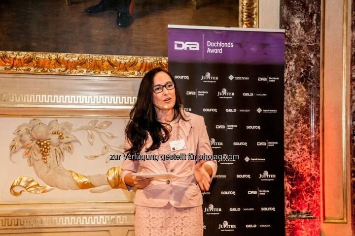 Snezana Jovic (geld magazin) bei ihren Dachfonds Awards 2015
