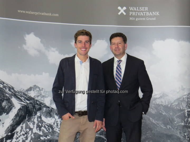 Johannes Rydzek, Markus Kalab (Leiter Marketing Walser Privatbank) : Doppel-Weltmeister der Nordischen Kombination Johannes Rydzek ist neues Testimonial der Walser Privatbank : Fotocredit: Walser Privatbank AG
