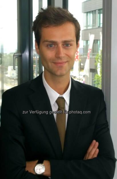 """Yves-Deniz Obermeier (Business Development Manager Financial Services Navax Unternehmensgruppe) : """"Henri"""" - die weltweit innovativste Software von Navax für die Finanzdienstleistungs-Branche ist auf dem Markt : Fotocredit: Navax, © Aussendung (19.11.2015)"""