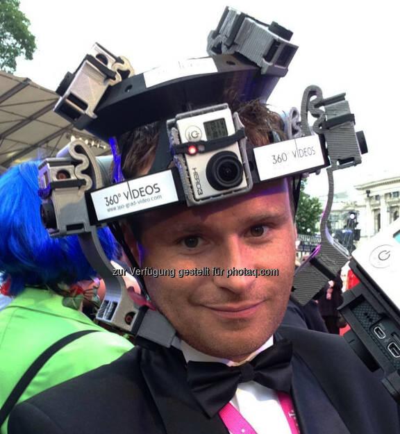 Alessandro Dimas (Dimas Technologies GmbH): 360 Grad Video Helm für Veranstaltungen oder Videos aus der Ich Perspektive. Der Kopf wird quasi zur 360 Grad Videokamera : Fotocredit: 360-grad-video.com/Dimas, © Aussendung (20.11.2015)