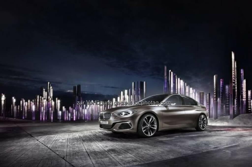 BMW Concept Compact Sedan :  Auf der Auto Guangzhou 2015, einer der größten, internationalen Automobilmessen in China, präsentiert die BMW Group ein besonderes Highlight: die eigene Vision einer viertürigen Limousine für das Kompaktsegment – den BMW Concept Compact Sedan : © BMW Group, © Aussendung (20.11.2015)