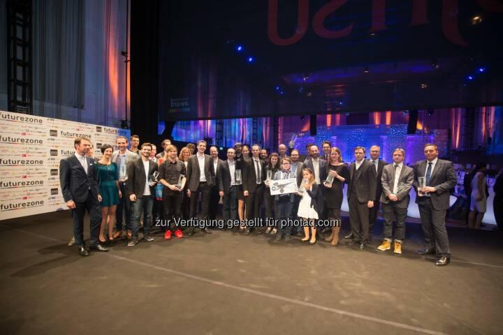 """Sieger des Futurezone Awards 2015 : Futurezone Award 2015 : Kiweno wurde Start-up des Jahres und gewann auch den Publikumspreis : spire.com-Gründer Peter Platzer wurde """"Innovator des Jahres"""" : Fotocredit: Kurier/ Christandl"""
