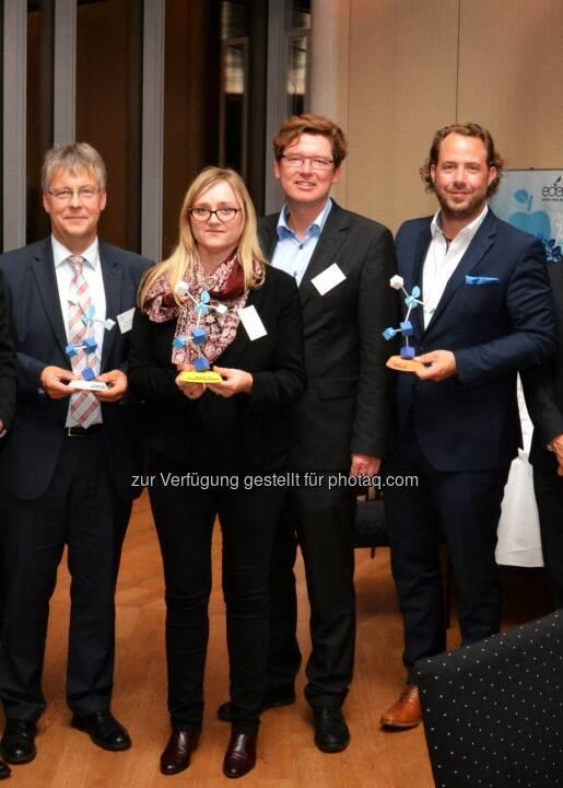 Bernd Hientzsch (Infraserv GmbH & Co. Höchst KG - 2. Platz eden Award 2015), Ines Wilflingseder und Hans-Peter Hasenbichler (beide viadonau - 1. Platz eden Award 2015), Peter Bickel (Cofely Deutschland GmbH - 3. Platz eden Award 2015) : Die eden-Award-Gewinner 2015 : viadonau - Prozessmanagement ausgezeichnet : Wasserstraßen-Gesellschaft erhält eden-Award 2015 : Fotocredit: eden