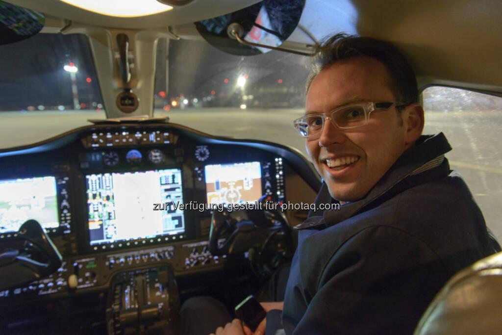 Willi Stock (Greiner) im Cockpit einer Citation Mustang, © Greiner (28.03.2013)