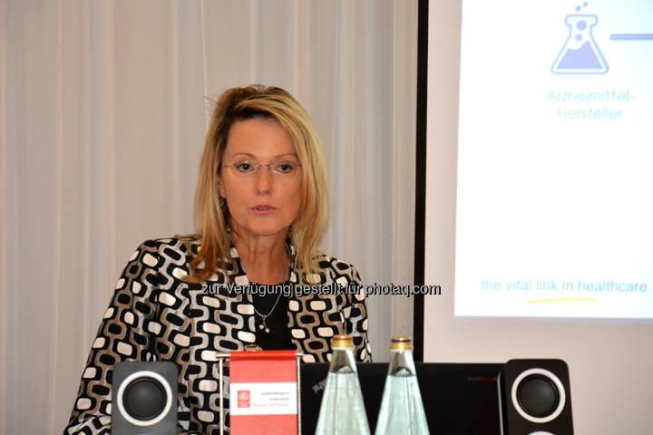 Monika Derecque-Pois, GIRP : IIR Kongress pharmaKON 2015 in Wien : Zu gut um echt zu sein – Kann man gefälschte Arzneimittel überhaupt erkennen? : Fotocredit: IIR GmbH