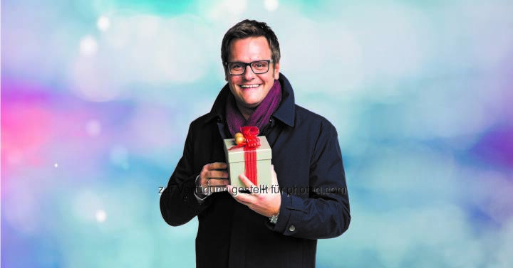"""Robert F. Hartlauer : Hartlauer Schneewette 2015 : """"Wenn's am Heiligen Abend schneit … gibt's mit etwas Glück den Kaufpreis zurück!"""" : Die beliebte und breitenwirksame Schneewette kehrt wieder zurück : Fotocredit: Hartlauer HandelsgesmbH"""