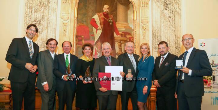Markus Figl (Design. Bezirksvorsteher), Josef Bitzinger (WKW-Vizepräsident), Ulrich Steinleitner (Ma Maison-GF), Marina Röhrenbacher (VBS Mödling Direktorin), Peter Förtsch-Lehmann (Konditormeister), Erwin Pellet (Einkaufstraßen-Repräsentant), Eva Zirps-Ehrenberger (Spartenobmann-Stv.), Klaus Schmidtschläger (Gremialobmann), Werner Unger : Vergabe der Tischkultur Awards 2015 :  Fotocredit: Pictures Born/Foto Nessler