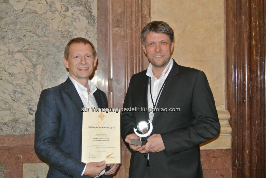 Clemens Horacek (GF), Roland Bamberger (GF) : SOLARier Gesellschaft für erneuerbare Energie mbH aus Engerwitzdorf (OÖ.) erhielt Europäischen Solarpreis 2015 : Fotocredit: SOLARier Gesellschaft für erneuerbare Energie mbH, © Aussendung (01.12.2015)