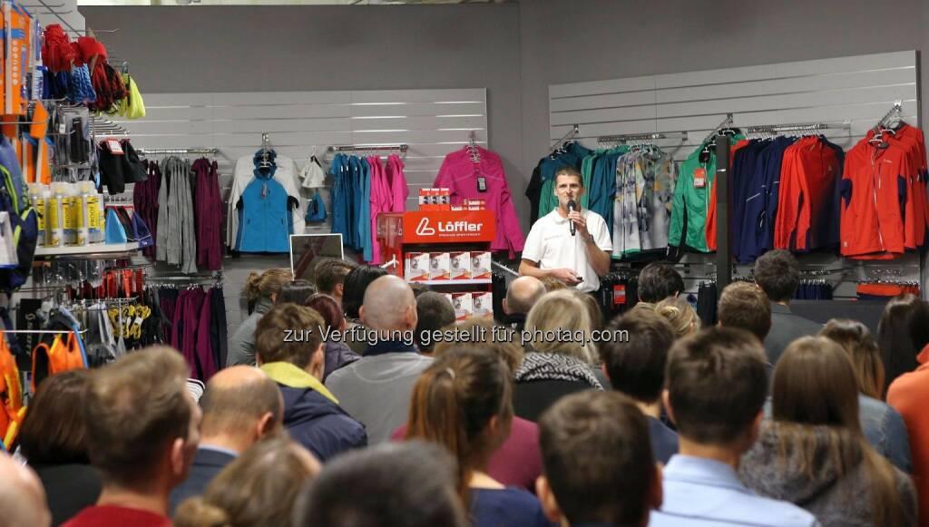 Wilhelm Lilge im Wemove Running Store © Wally, © Wilhelm Lilge (01.12.2015)