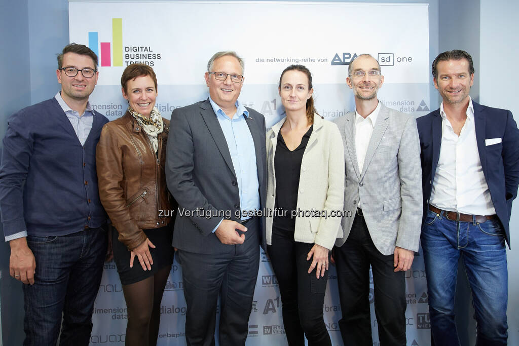 Michael Schuster (Co-Founder und Partner Speedinvest), Andrea Hansal (Corporate Communications ING-DiBa), Alexander Falchetto (GF APA-IT, Sponsor des DBT-Awards), Sylvia Dellantonio (GF willhaben.at), Michael Nentwich (Direktor Institut Technikfolgen-Abschätzung der Österr. Akademie der Wissenschaften), Oliver Krizek (Eigentümer und GF Navax Unternehmensgruppe) : Die Finalisten des Digital Business Trends-Award 2015 : Fotocredit: APA-Fotoservice/Preiss, © Aussendung (03.12.2015)