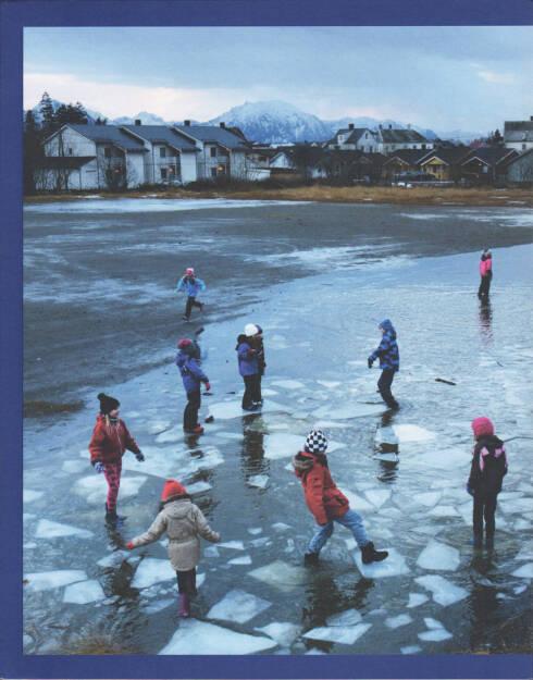 Various - Journal of Norwegian Photography #2, Journal 2015, Cover - http://josefchladek.com/book/various_-_journal_of_norwegian_photography_2, © (c) josefchladek.com (08.12.2015)