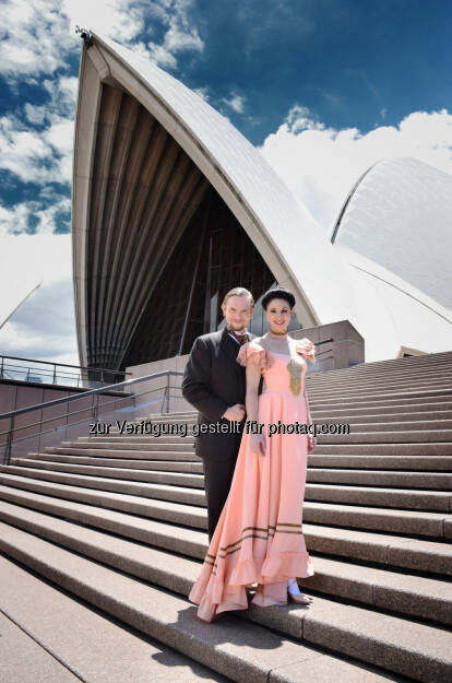 Thommy Ten, Amélie van Tass : Österreichs erfolgreichstes Illusionistenpaar Thommy Ten und Amélie van Tass gastieren mit Ihrer Show The Illusionists 1903 im Sydney Opera House : Fotocredit: Thommy Ten, © Aussendung (09.12.2015)