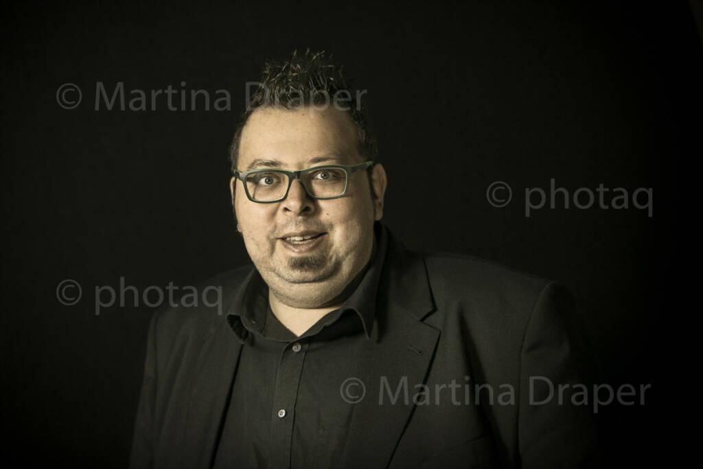 Thomas Netopilik (Wiener Bezirkszeitung, Alsergrund) http://photaq.com/series, © Martina Draper/photaq (09.12.2015)