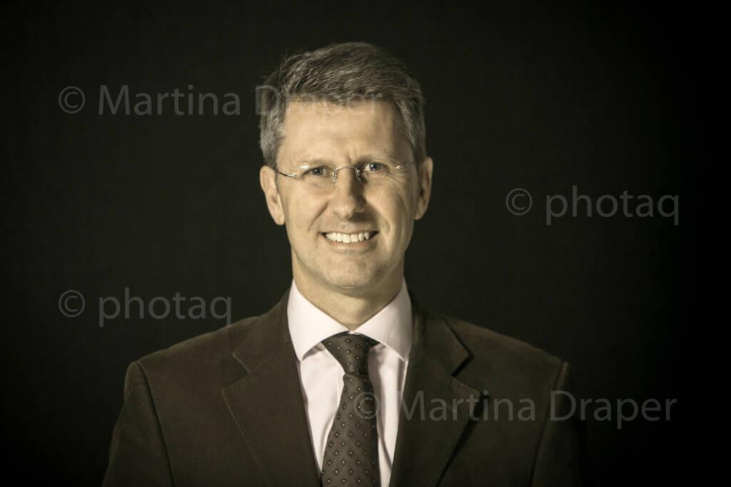 Wolfgang Spiller (Vorstand Schlumberger) http://photaq.com/series, © Martina Draper/photaq (09.12.2015)