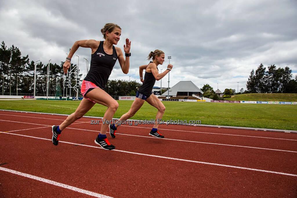 Anna und Lisa Hahner in Auckland, NZ, Tartanbahn, Track &amp; Field, laufen, Bahn, &copy; <a href=