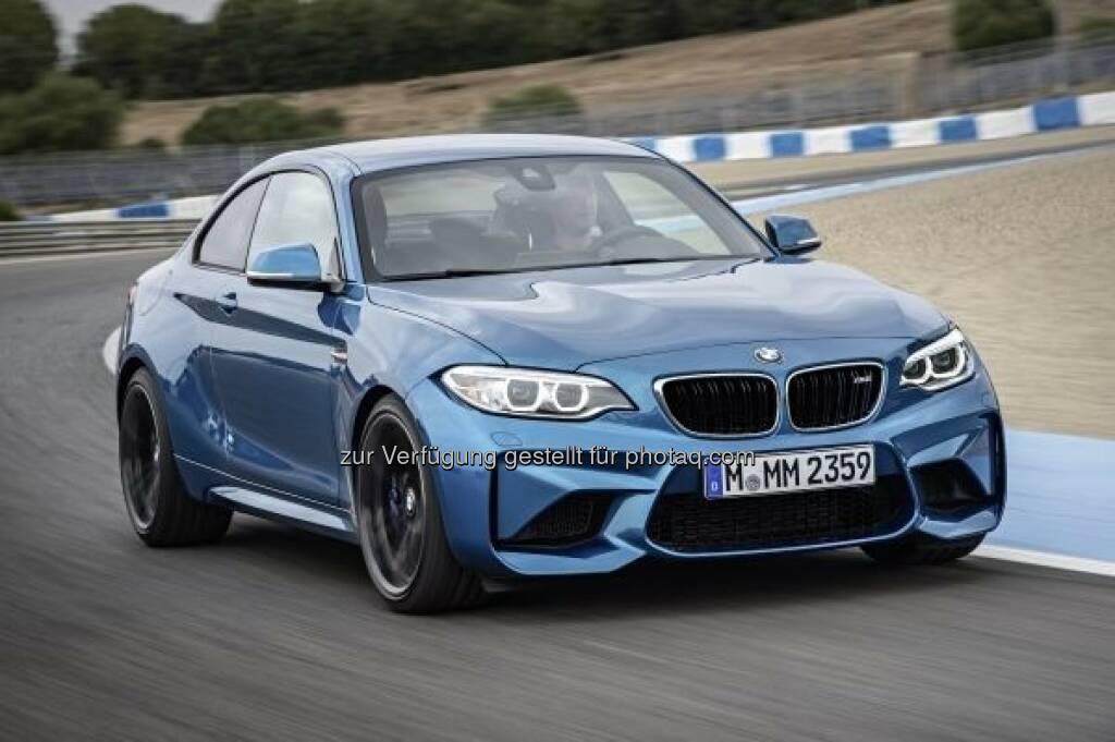 Neues BMW M2 Coupé : Start ins Jubiläumsjahr 2016 : Kurz vor dem 100-jährigen Firmenjubiläum feiert BMW auf der North American International Auto Show (NAIAS) vom 11. bis 24. Januar in Detroit mit den neuen Performance-Modellen BMW M2 und BMW X4 M40i zwei Weltpremieren : © BMW Group, © Aussendung (18.12.2015)