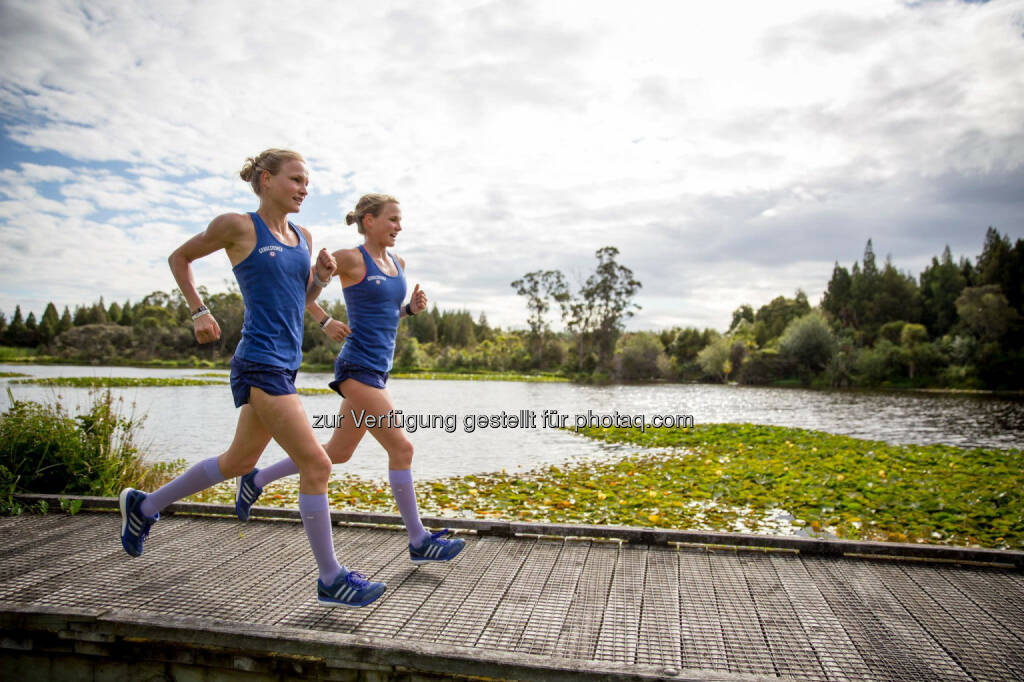 Anna und Lisa Hahner: 1h Dauerlauf inklusive 3 intensiven cross country Kilometern durch den Minogue Park, &copy; <a href=