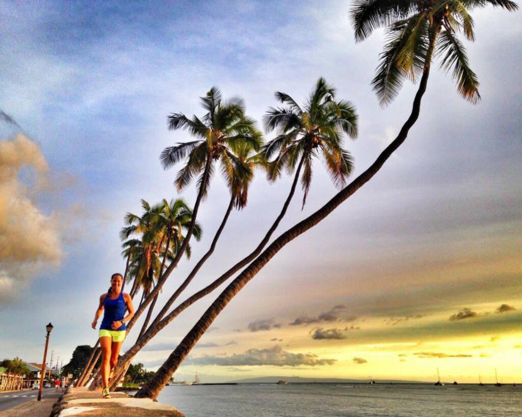 Monika Kalbacher auf Hawaii, © Diverse  (20.12.2015)