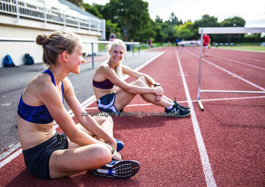 Anna Hahner: Sprinttraining mit Camille Buscomb, relax, Pause, Track and Field, verschnaufen, &copy; <a href=