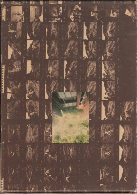 Daido Moriyama - Kagero (Dayfly, 森山大道 蜉蝣 かげろう), Haga Shoten 1972, Cover - http://josefchladek.com/book/daido_moriyama_-_kagero_dayfly_森山大道_蜉蝣_かげろう, © (c) josefchladek.com (21.12.2015)