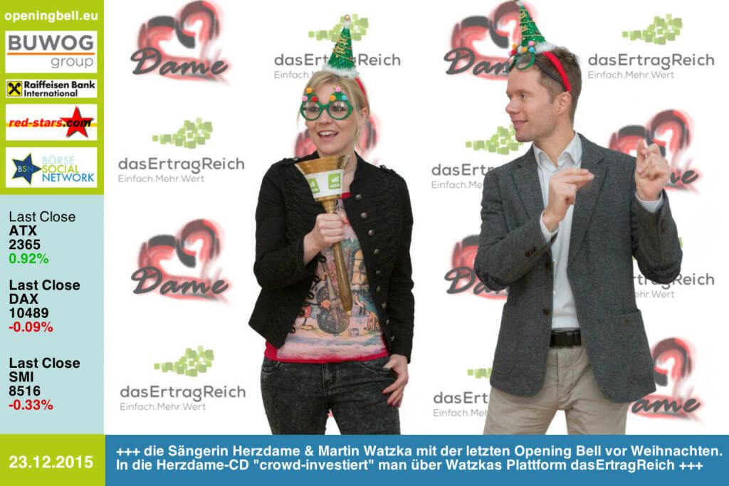 #openingbell am 23.12.: Die Sängerin Herzdame & Martin Watzka mit der letzten Opening Bell vor Weihnachten. In die Herzdame-CD crowd-investiert man über Watzkas Plattform dasErtragReich http://www.dasertragreich.at http://www.herzdame-music.com , siehe auch weitere Bilder mit Weihnachtshintergrund http://www.photaq.com/page/index/2269  (23.12.2015)