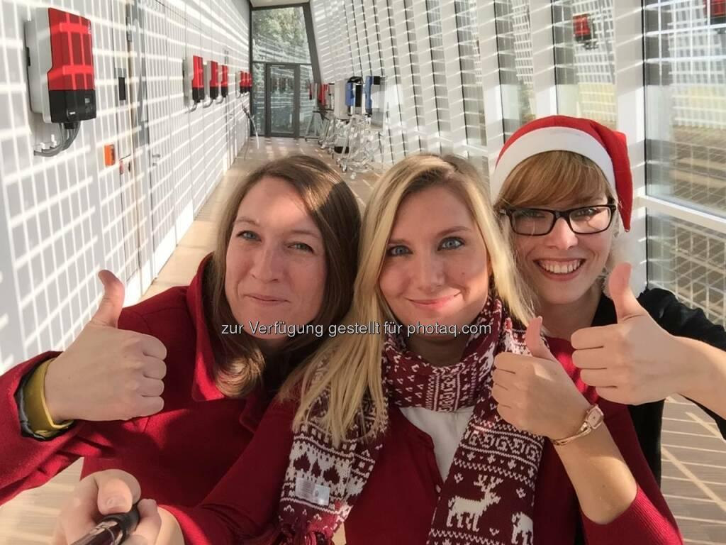 SMA Solar - Wir verabschieden uns in die Weihnachtspause und wünschen euch ein wundervolles Fest. Kommt gut rein und bleibt uns auch im neuen Jahr erhalten. Wir sind am 4.1. wieder da und freuen uns auf eure Likes und Kommentare. Pünktlich zum Fest ist hier unser Jahresrückblick mit allen Adventstürchen im Schnelldurchlauf. LG Leonie, Sarah und Julia https://go.sma.de/3047C  Source: http://facebook.com/SMASolarTechnology (25.12.2015)