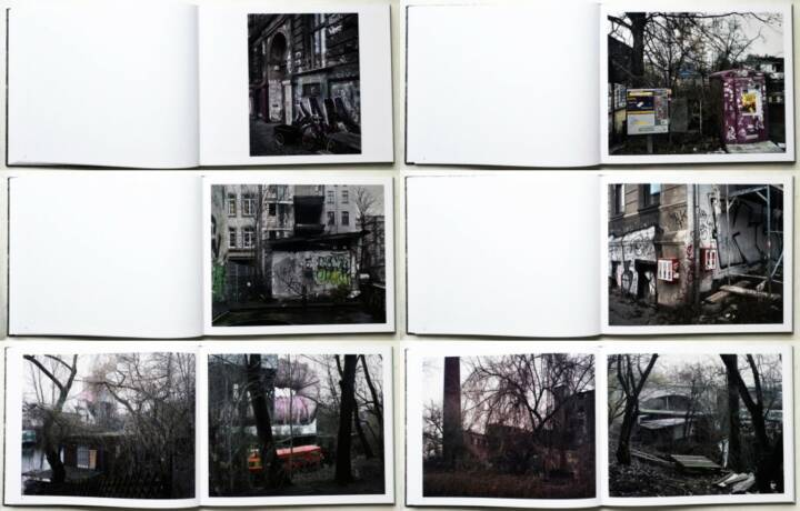 Gerry Badger - It was a Grey Day - Photographs of Berlin, Peperoni Books 2015, Beispielseiten, sample spreads - http://josefchladek.com/book/gerry_badger_-_it_was_a_grey_day_-_photographs_of_berlin