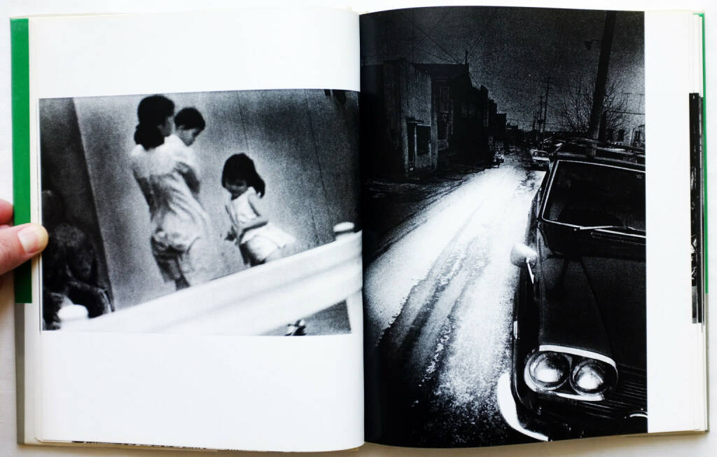 Daido Moriyama - A Hunter (森山大道 狩人 映像の現代10) (1972) - 1500-2800 Euro, http://josefchladek.com/book/daido_moriyama_-_a_hunter_森山大道_狩人_映像の現代10, © (josefchladek.com ) (27.12.2015)