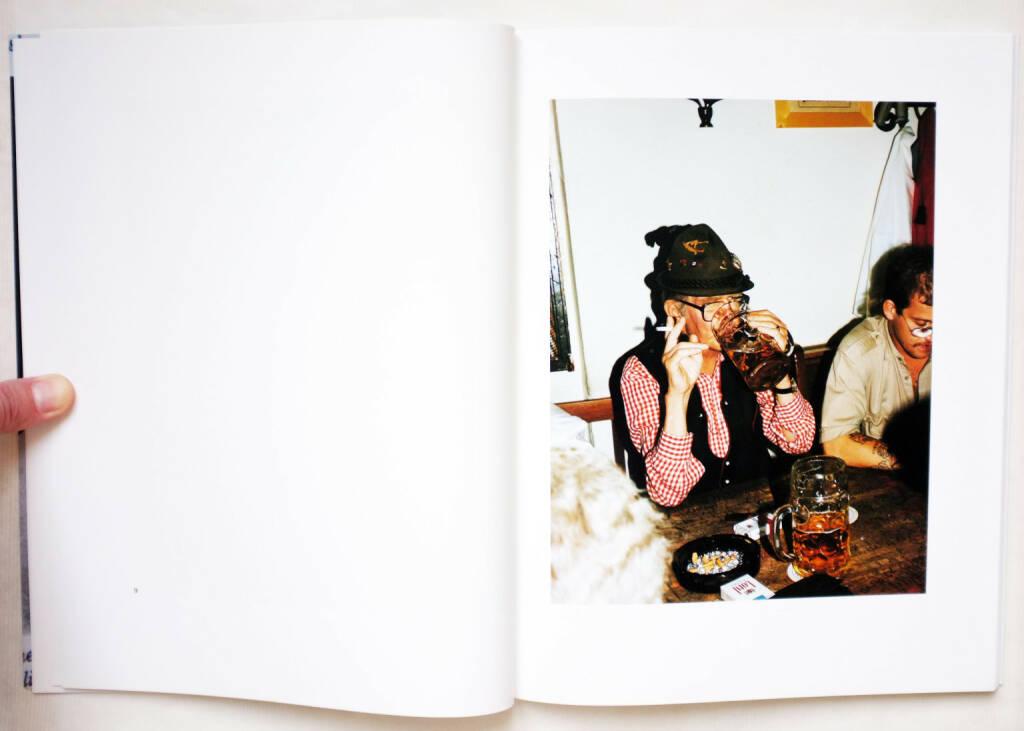 Paul Graham - New Europe (1993) - 130-300 Euro, http://josefchladek.com/book/paul_graham_-_new_europe, © (josefchladek.com ) (27.12.2015)