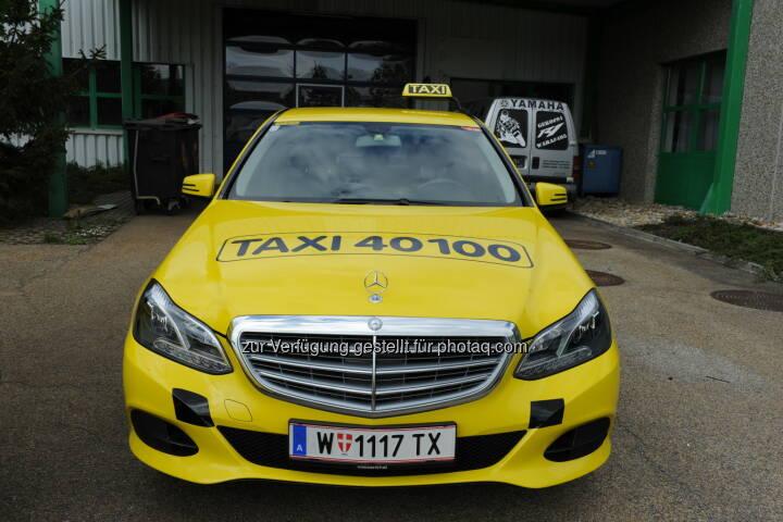 Taxi von 40100 : Schonungsloser Test für Wiener Taxis : 800 Wiener Taxis wurden bei einem Mystery Shopping auf Herz und Nieren geprüft : Ergebnis: Taxi 40100 bietet Sauberkeit und beste Servicequalität : Fotocredit: Taxi 40100