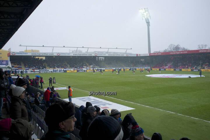 Fussballfeld, Flutlicht