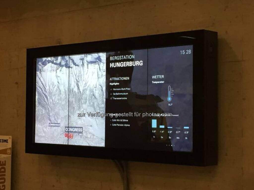 Experience winter tourism 2.0 with Kapsch digital signage @Lech_Zuers @NordketteIBK >>>https://t.co/7vfAjdXzBE http://twitter.com/kapschnet/status/681580400938881024/photo/1  Source: http://twitter.com/kapschnet, © Aussender (29.12.2015)