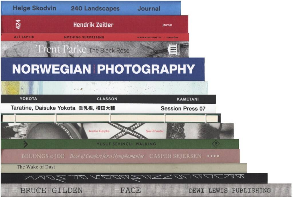 Best of December 2015 on josefchladek.com (server-stats - http://josefchladek.com/list/best_of_december_2015#books): Bruce Gilden - Face, Daisuke Yokota - Taratine (横田大輔 - 垂乳根), Various - Journal of Norwegian Photography #2, Trent Parke - The Black Rose, Yusuf Sevincli - Walking, Daisuke Yokota & Yoshi Kametani - Classon, Ali Taptik - Nothing Surprising, Casper Sejersen - Belongs to Joe, Bruce Connew - Body of Work, Helge Skodvin - 240 Landscapes, Aaron McElroy & Charles Johnstone - Briney Breezes, Chris Dorley-Brown - The Longest Way Round, André Gelpke - Sex-Theater, Thomas Hauser - The Wake of Dust, Hendrik Zeitler - 424, © (c) josefchladek.com (02.01.2016)