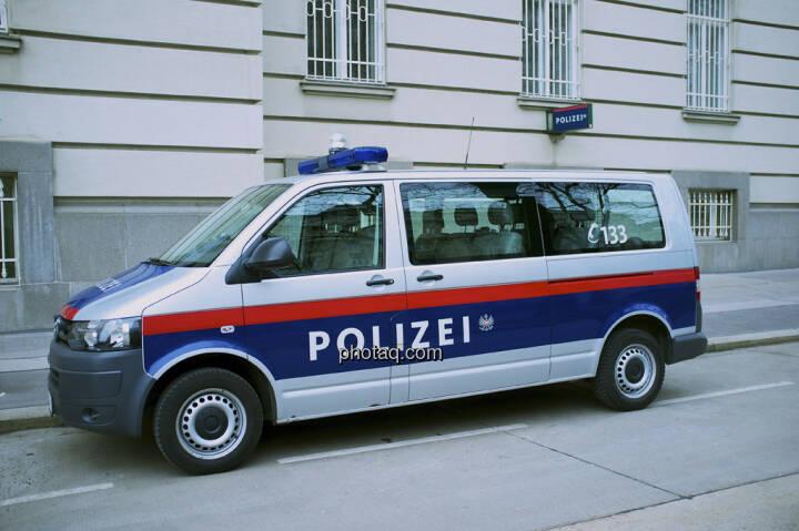 Polizei, 133