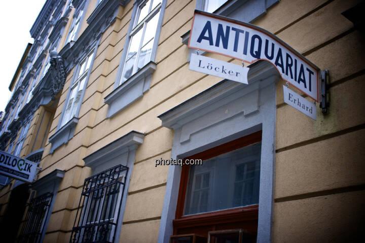Antiquariat, Löcker