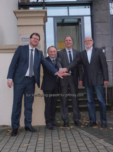 Jan Sprengnetter, Günther Schabus und Heinz Raunikar (R&S Software), Hans-Otto Sprengnetter: R&S Software GmbH wird Teil der Sprengnetter Gruppe : Fotocredit: Sprengnetter/R&S, © Aussendung (11.01.2016)